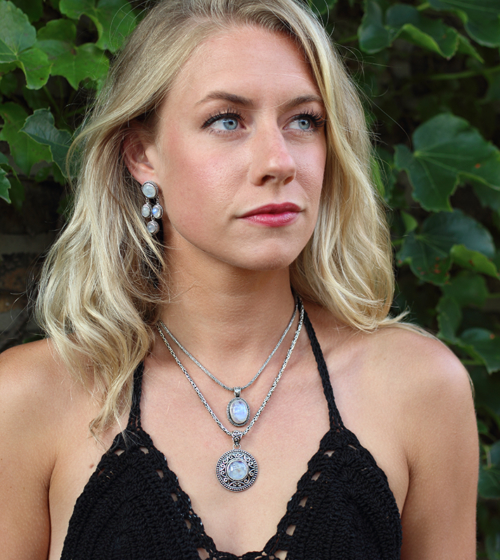 Handcrafted Balinese Sterling Silver Moonstone Necklace with Rainbow Moonstone