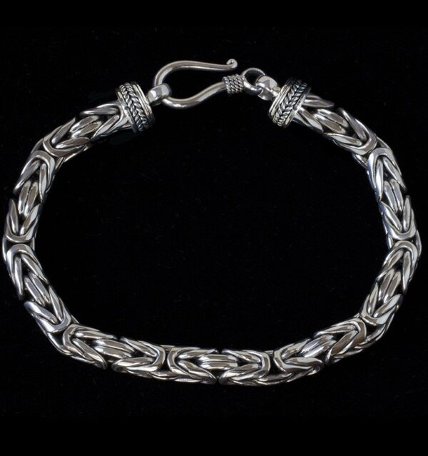 Silver Byzantine Bracelet handcrafted in Sterling Silver with a Balinese design. Perfect for women and men.
