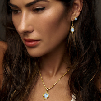 Rainbow Moonstone Gold Jewelry handcrafted in 18K Gold Vermeil with Rainbow Moonstones.